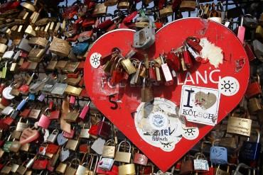 Liebesschlösser an der Hoenzollernbrücke in Köln